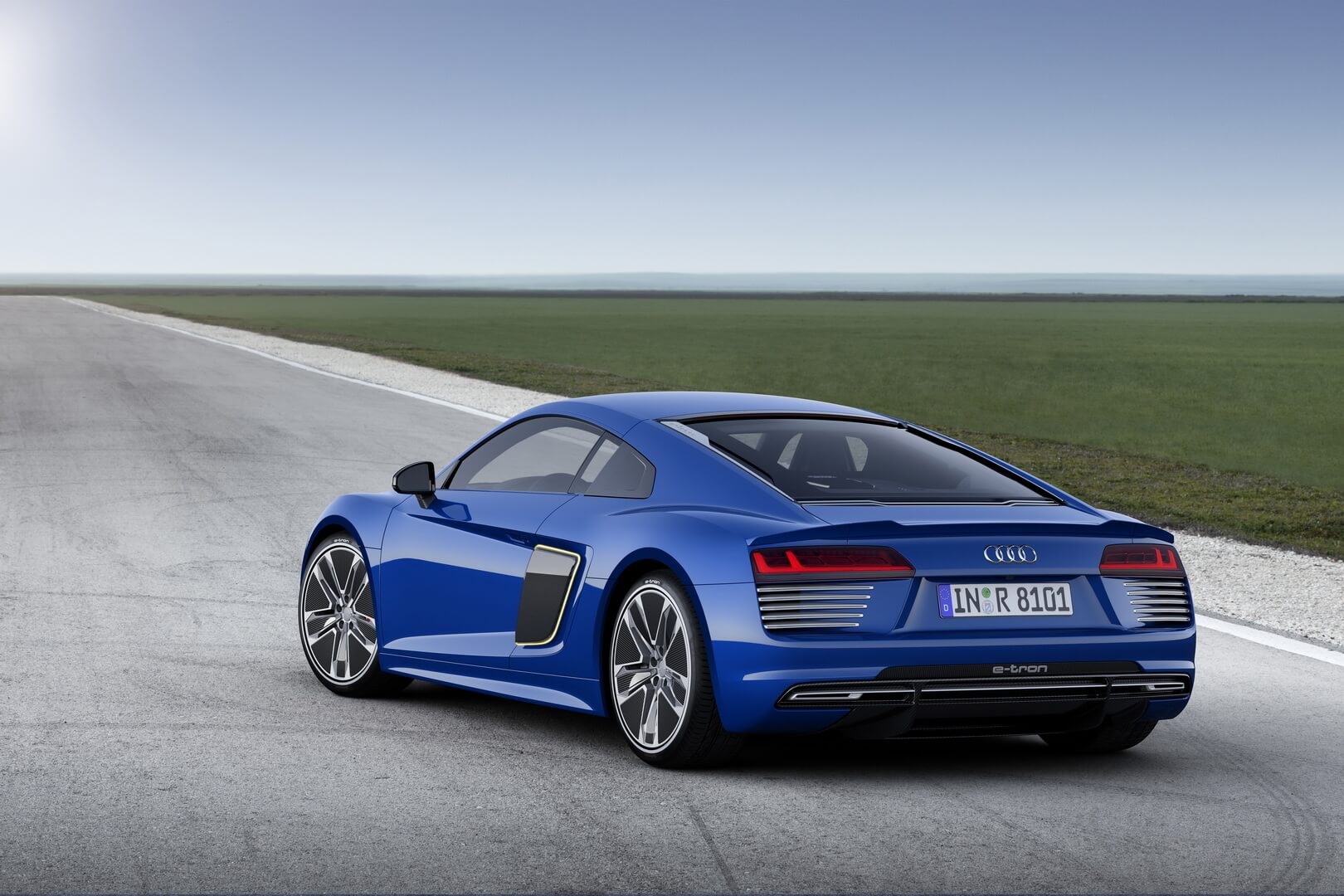 Фотография экоавто Audi R8 e-tron - фото 11