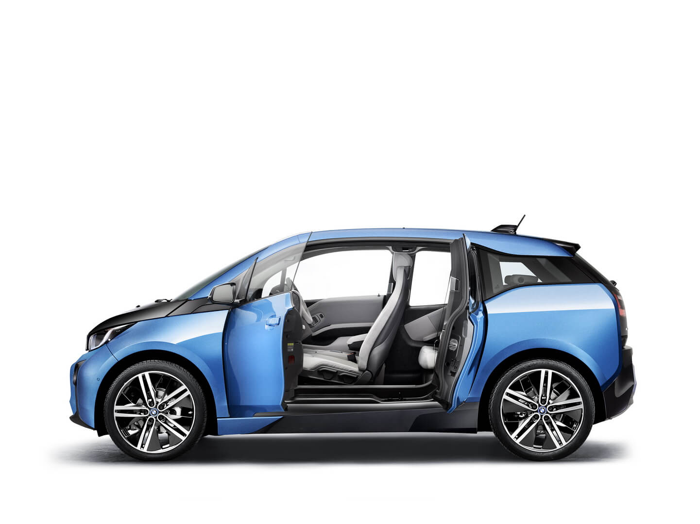 Фотография экоавто BMW i3 (33 кВт•ч) - фото 6