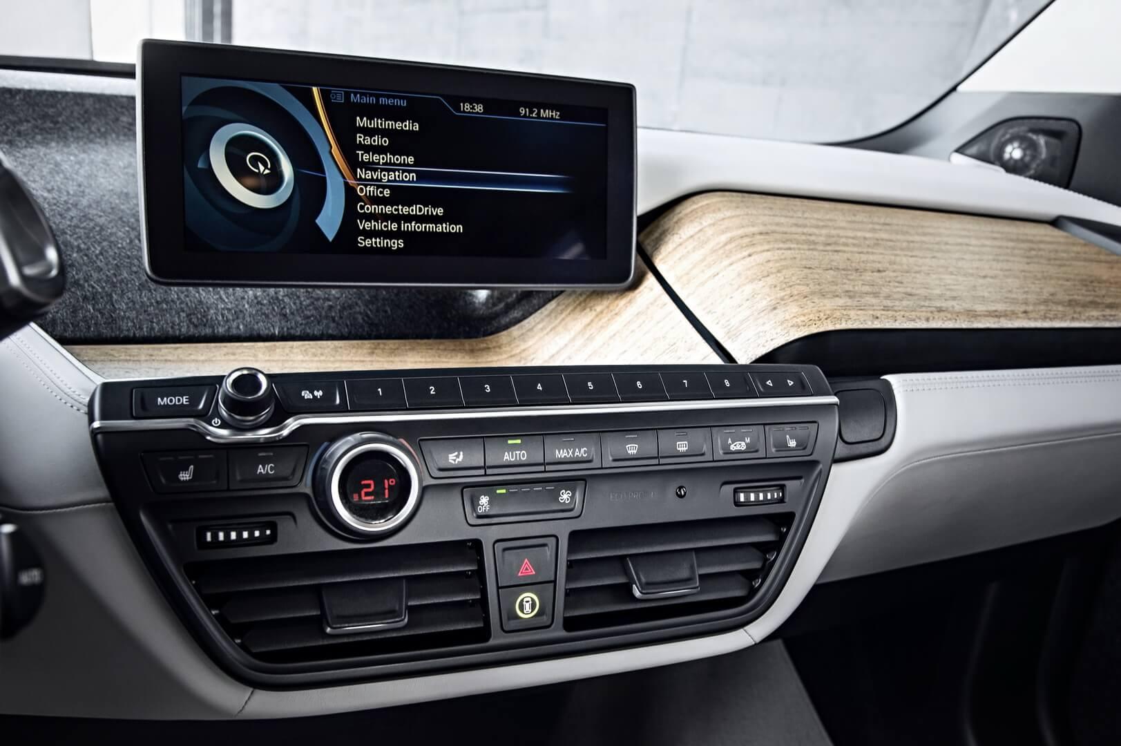 Фотография экоавто BMW i3 Range Extender (22 кВт•ч) - фото 24