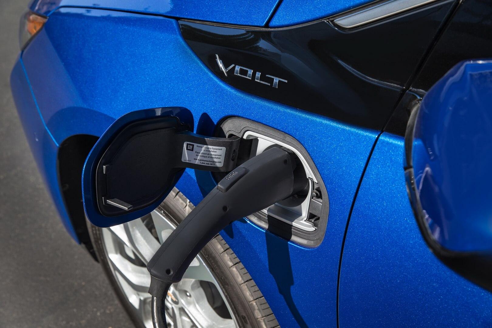 Фотография экоавто Chevrolet Volt 2016 - фото 8