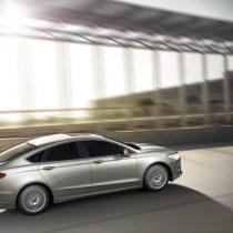 Фотография экоавто Ford Fusion Hybrid SE - фото 5