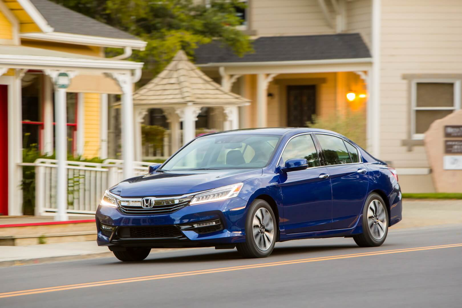 Фотография экоавто Honda Accord Hybrid 2017 - фото 12