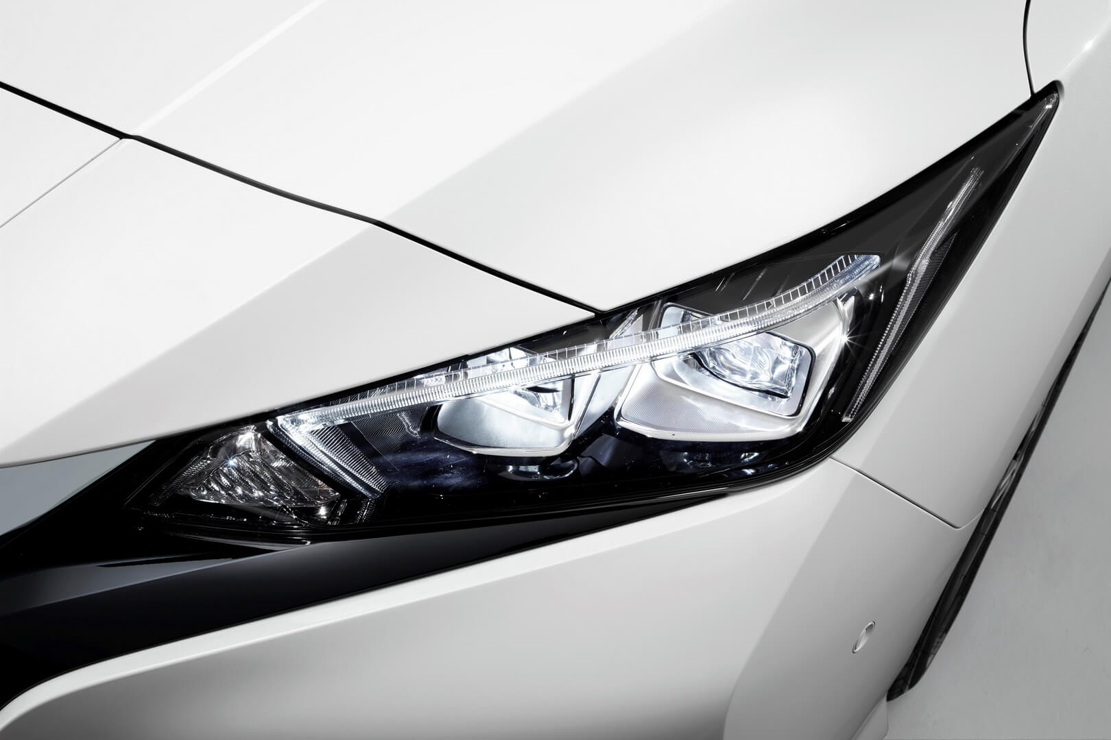 Фотография экоавто Nissan Leaf 2018 (60 кВт•ч) - фото 13