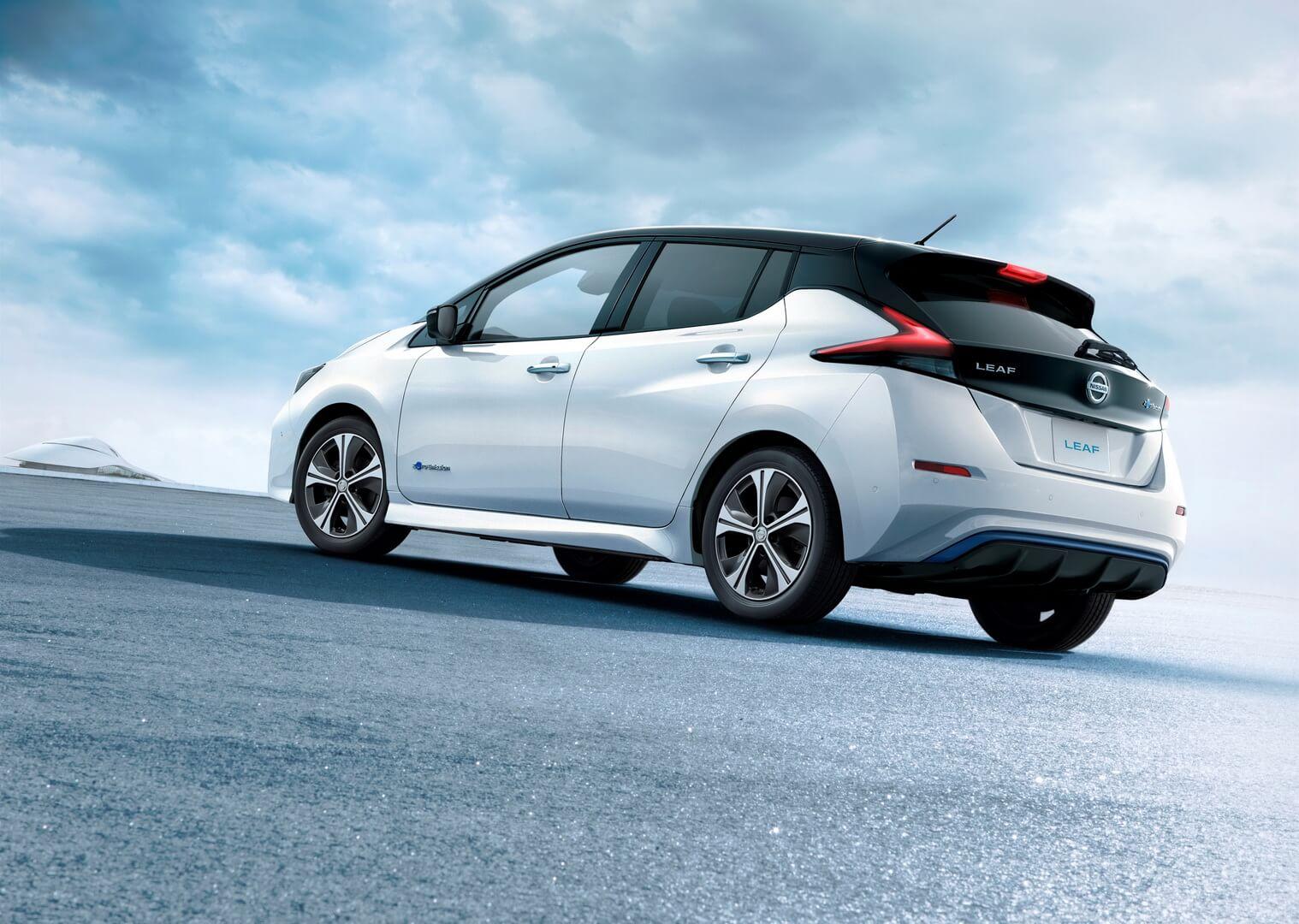 Фотография экоавто Nissan Leaf 2018 (60 кВт•ч) - фото 25