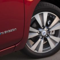 Фотография экоавто Nissan Leaf 2013 (24 кВт•ч) - фото 17