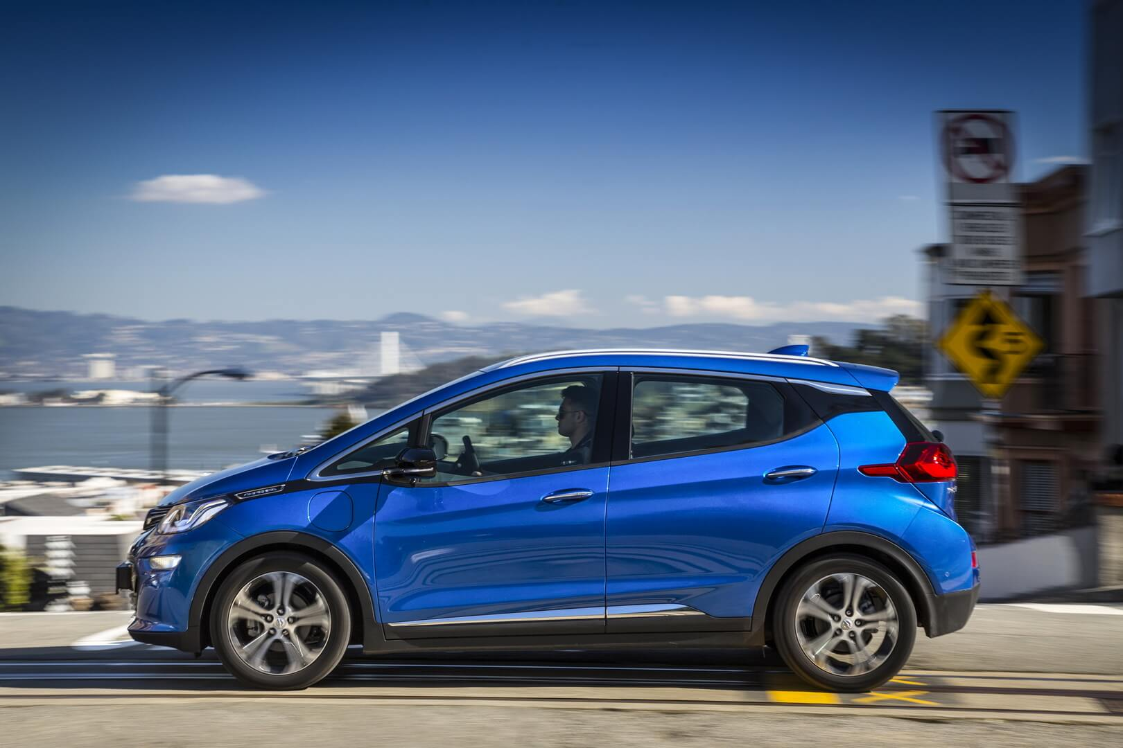 Фотография экоавто Opel Ampera-e - фото 9