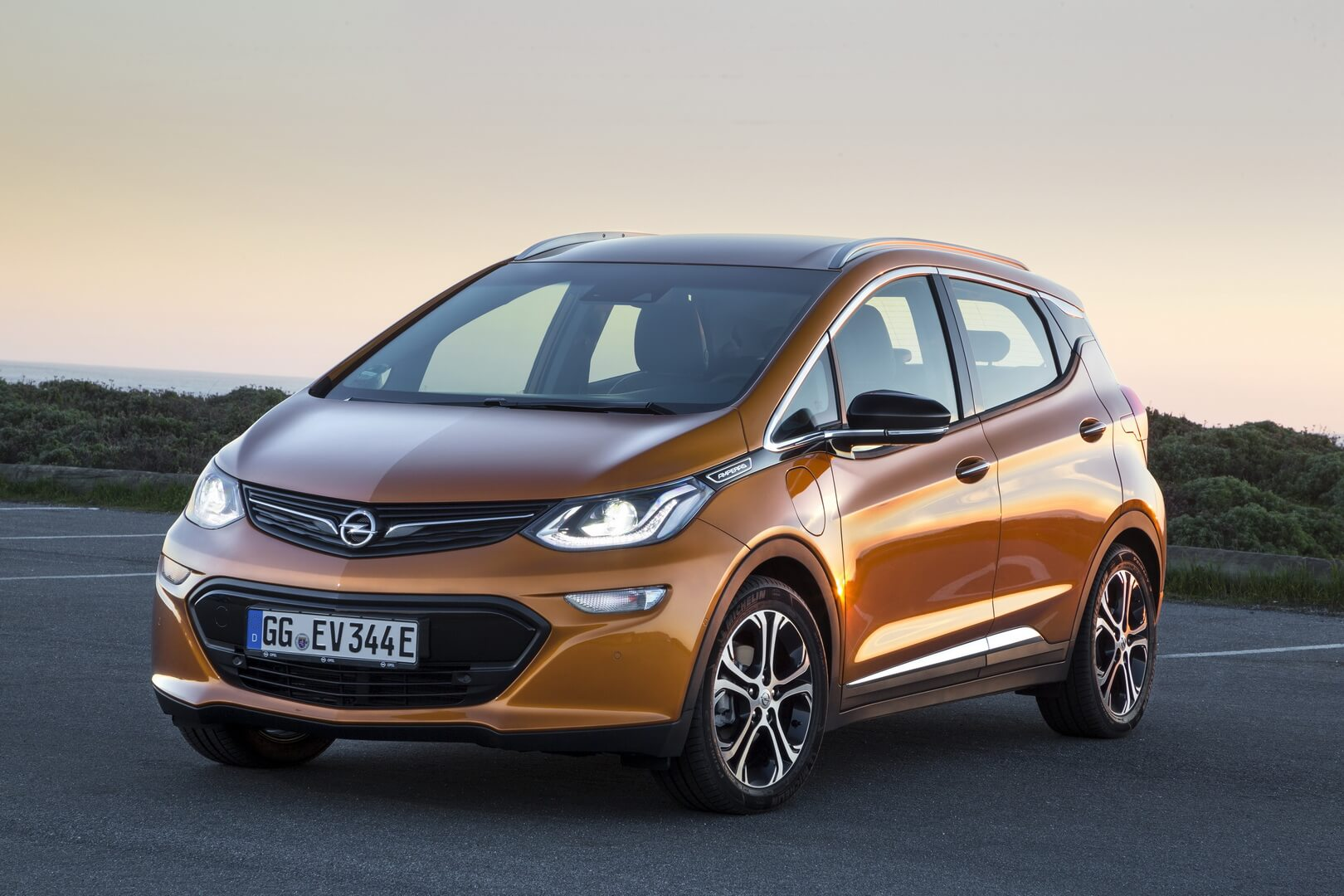 Фотография экоавто Opel Ampera-e - фото 21