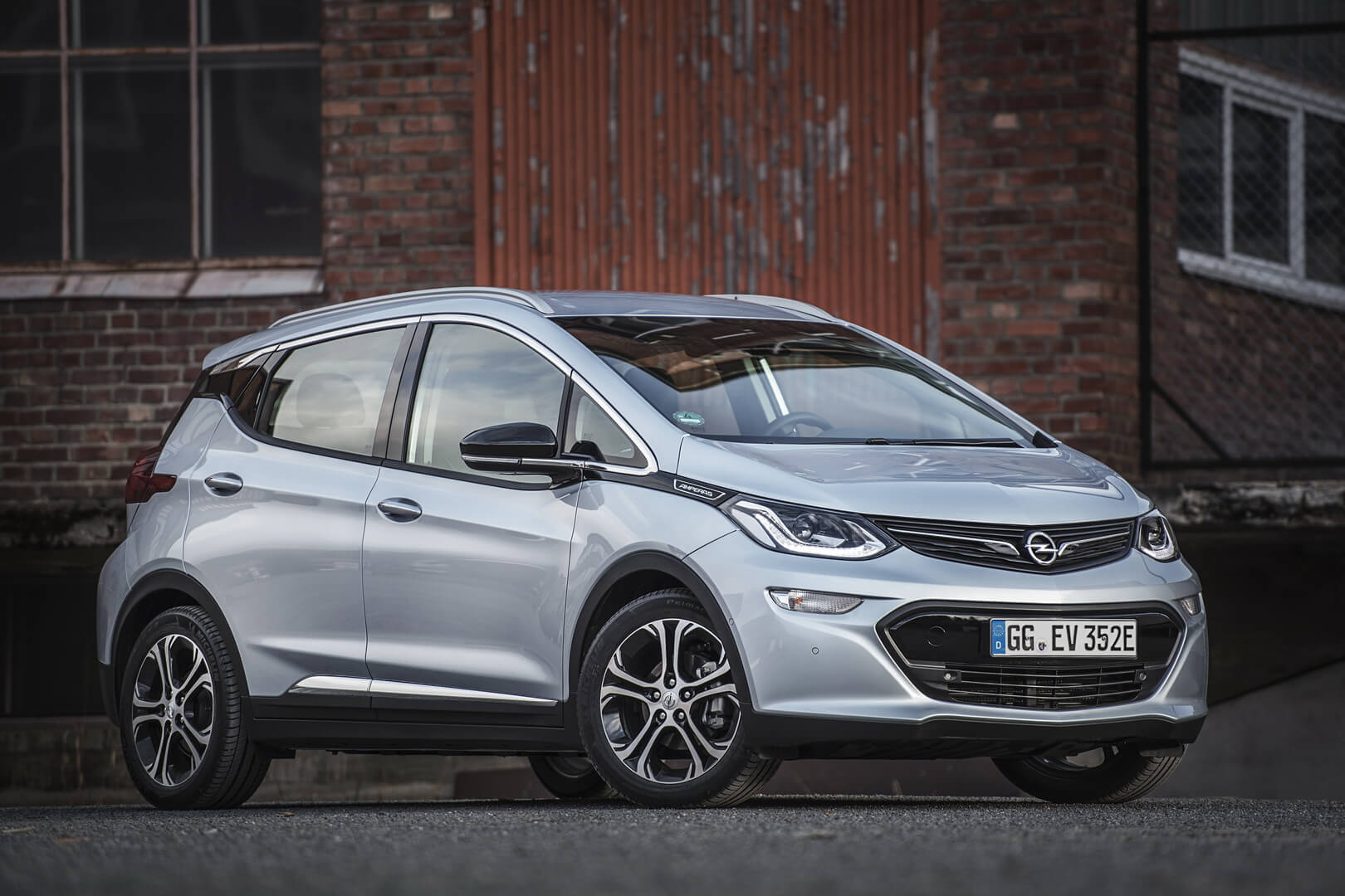 Фотография экоавто Opel Ampera-e - фото 36