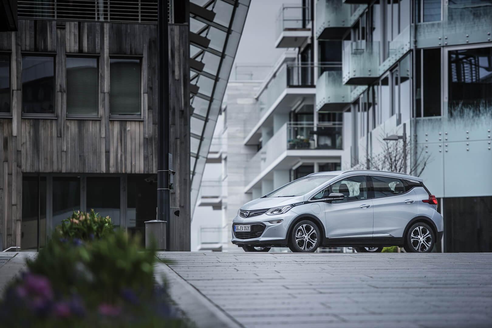 Фотография экоавто Opel Ampera-e - фото 39