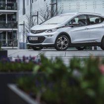 Фотография экоавто Opel Ampera-e - фото 40
