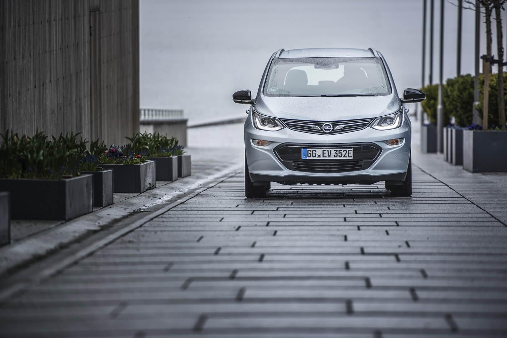 Фотография экоавто Opel Ampera-e - фото 42