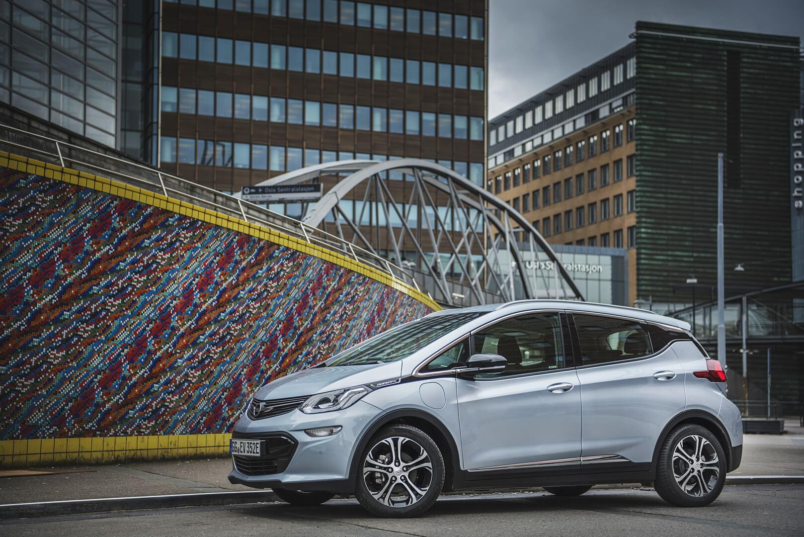 Фотография экоавто Opel Ampera-e - фото 54