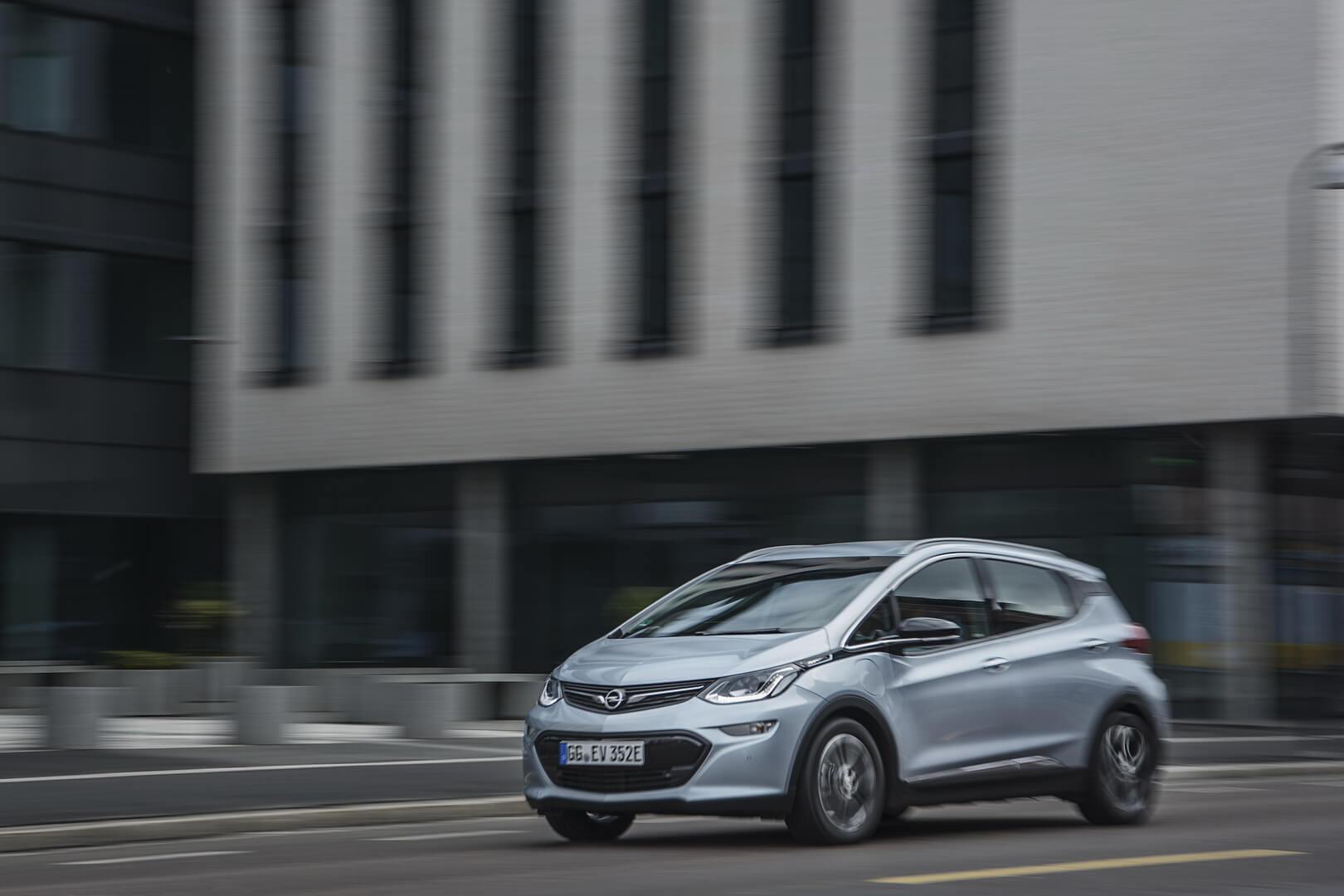 Фотография экоавто Opel Ampera-e - фото 55