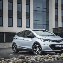 Фотография экоавто Opel Ampera-e - фото 58