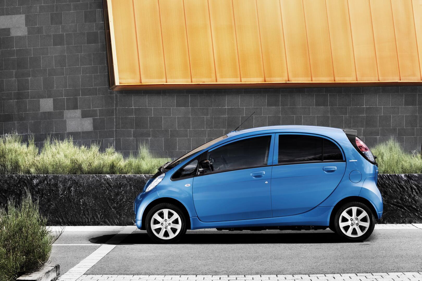 Фотография экоавто Peugeot iOn - фото 2