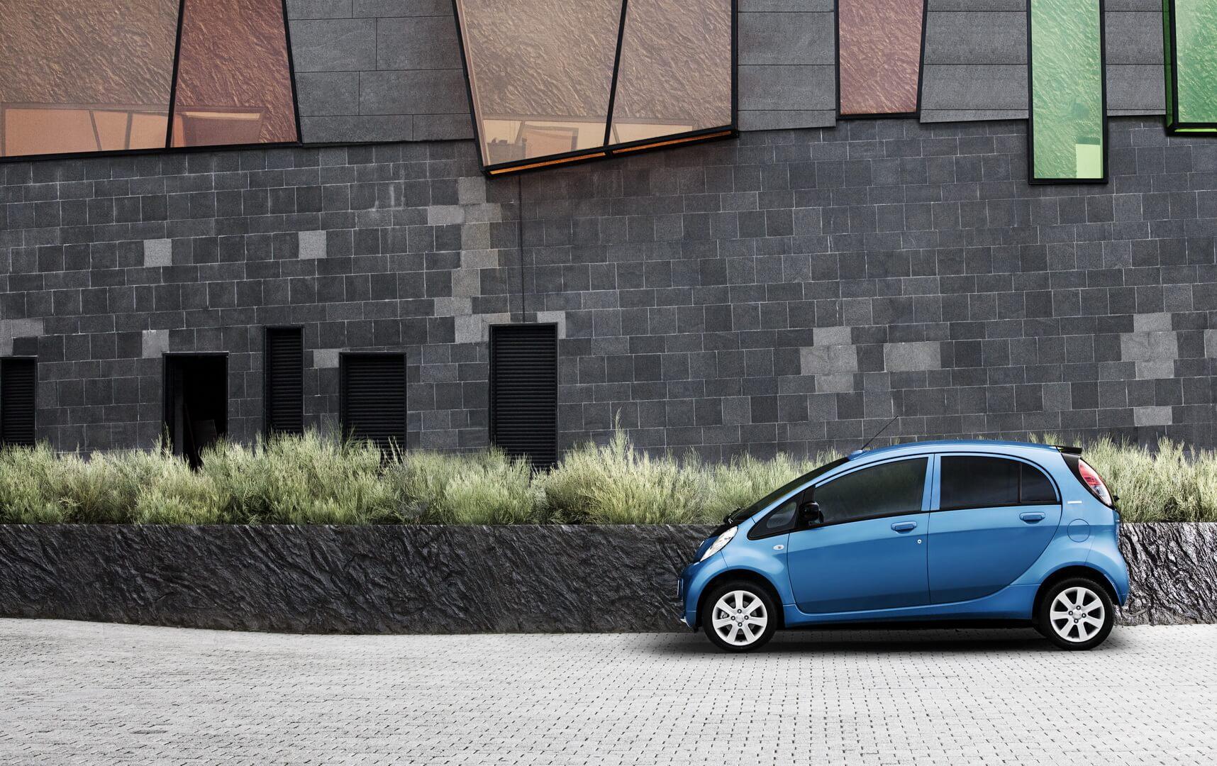 Фотография экоавто Peugeot iOn - фото 4