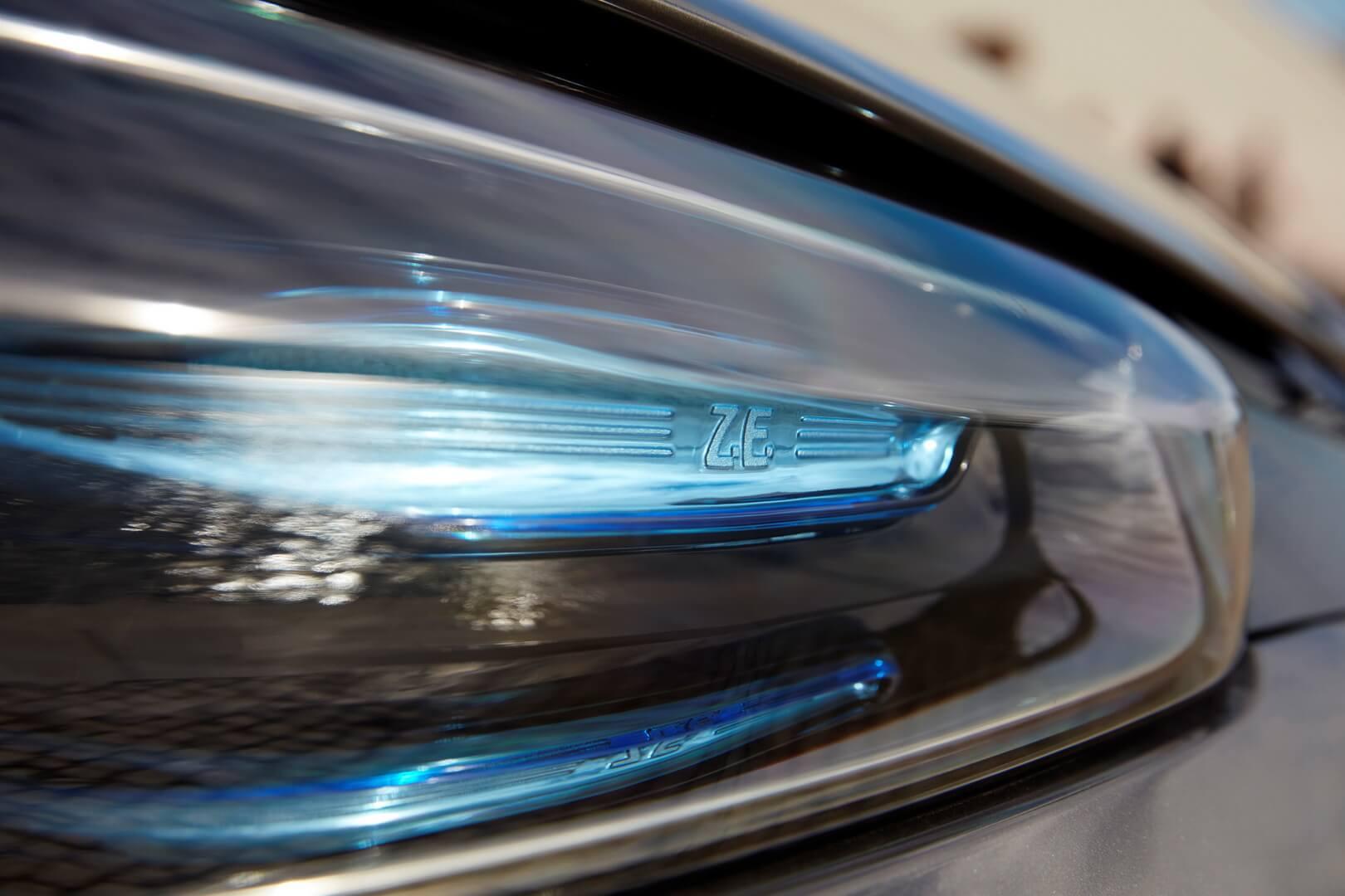 Фотография экоавто Renault ZOE Z.E. 40 - фото 2