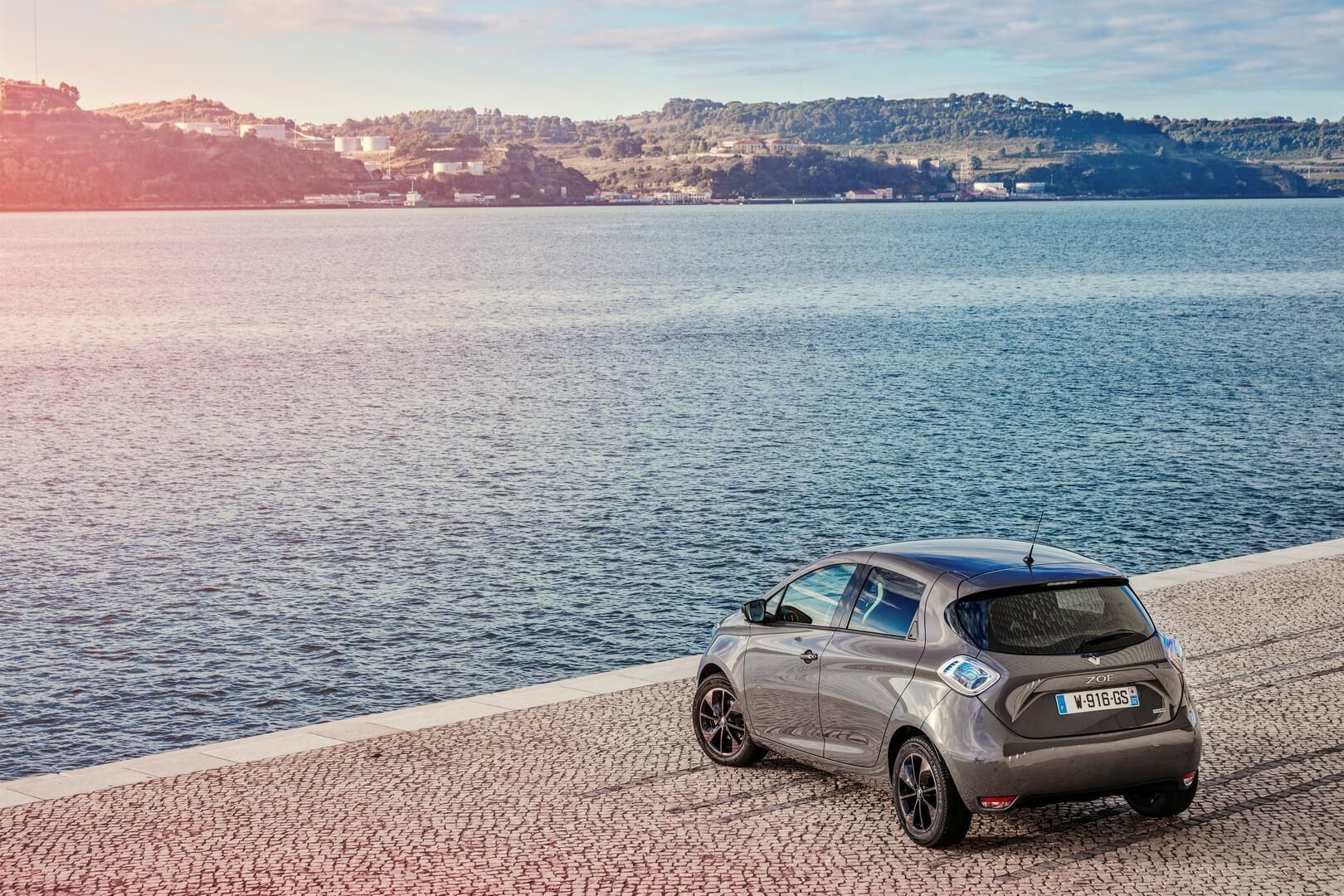 Фотография экоавто Renault ZOE 2012 - фото 16