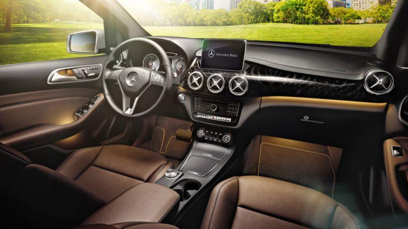 Салон и приборная панель Mercedes-Benz B-Class Electric Drive