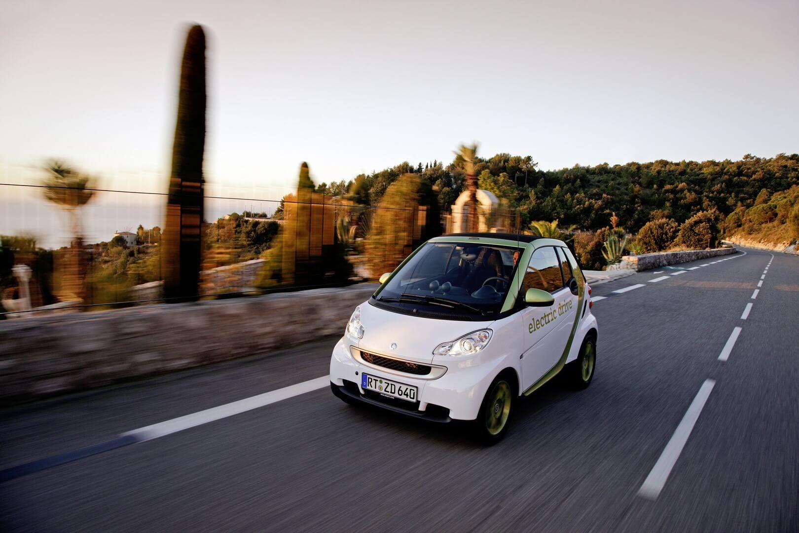 Фотография экоавто Smart Fortwo Electric Drive 2012 - фото 11