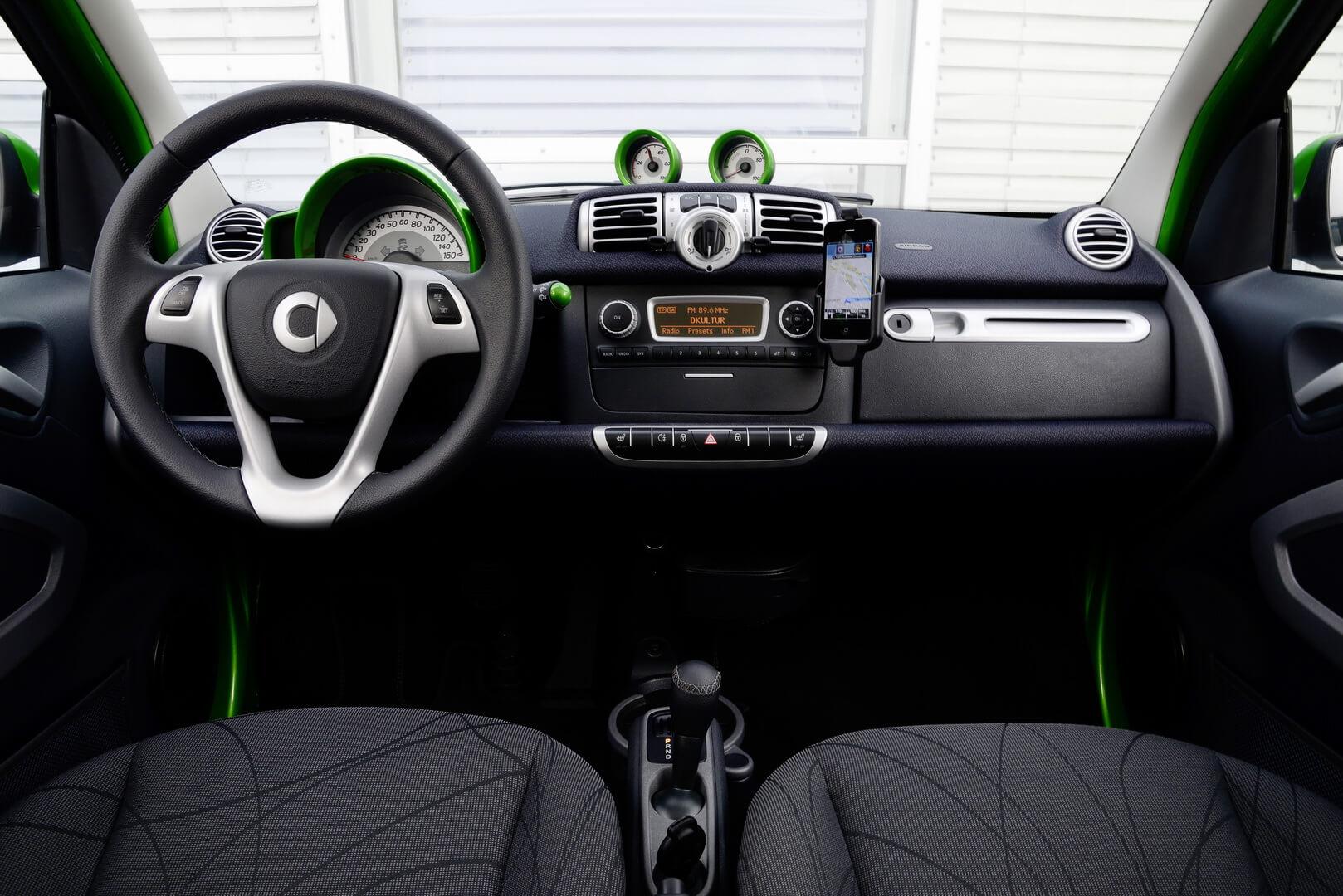 Фотография экоавто Smart Fortwo Electric Drive 2012 - фото 24