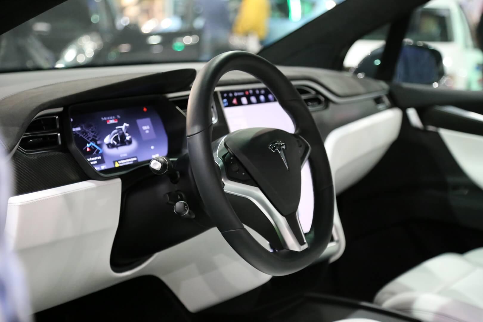 Фотография экоавто Tesla Model X 60D - фото 19