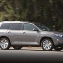 Фотография экоавто Toyota Highlander Hybrid 2011 - фото 14