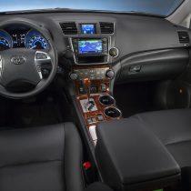 Фотография экоавто Toyota Highlander Hybrid 2011 - фото 29