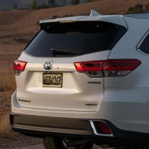 Фотография экоавто Toyota Highlander Hybrid 2017 - фото 16