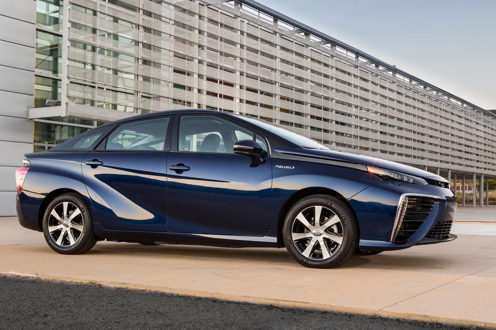 Фотография экоавто Toyota Mirai FCV - фото 2
