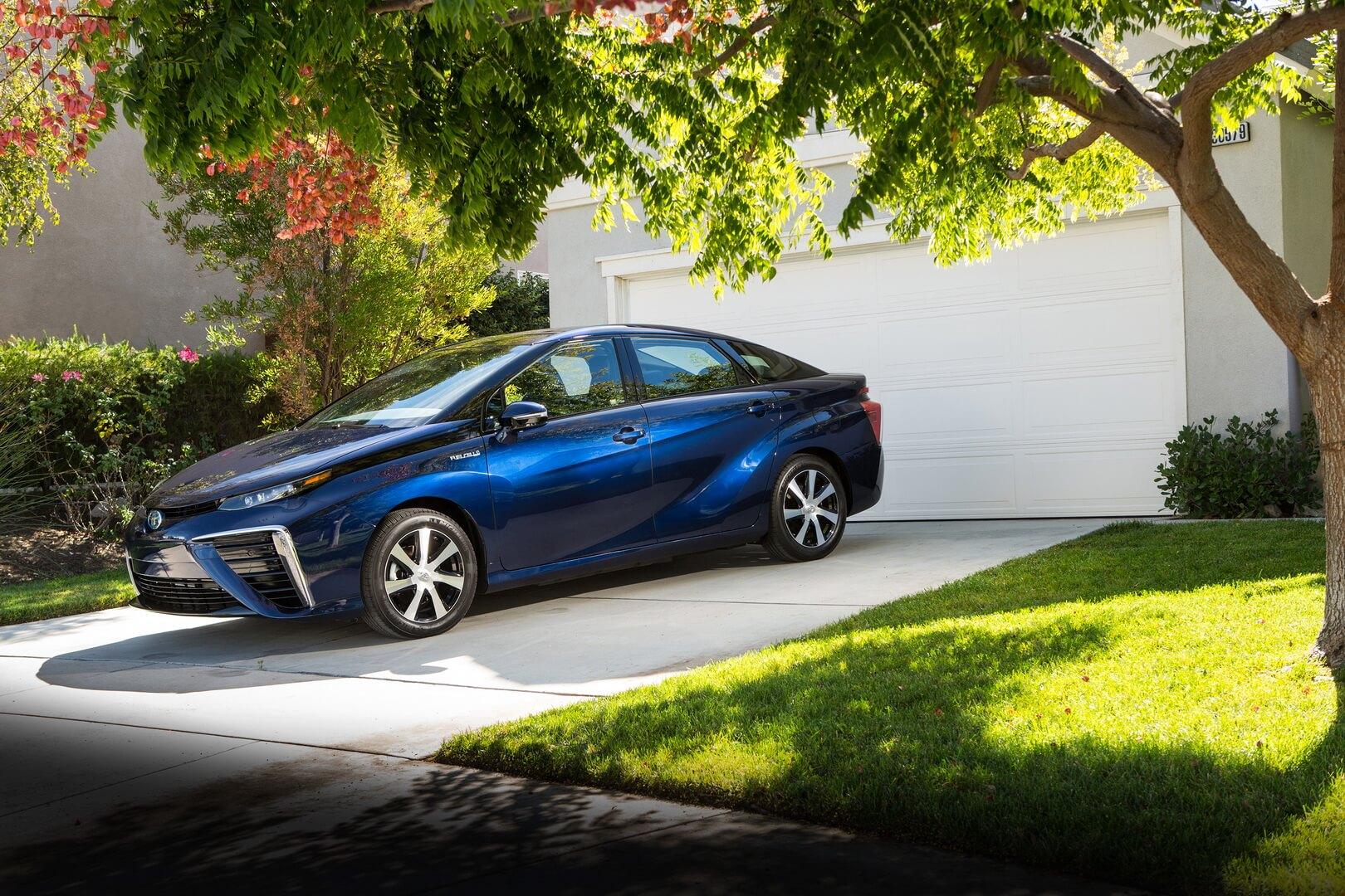 Фотография экоавто Toyota Mirai FCV - фото 8