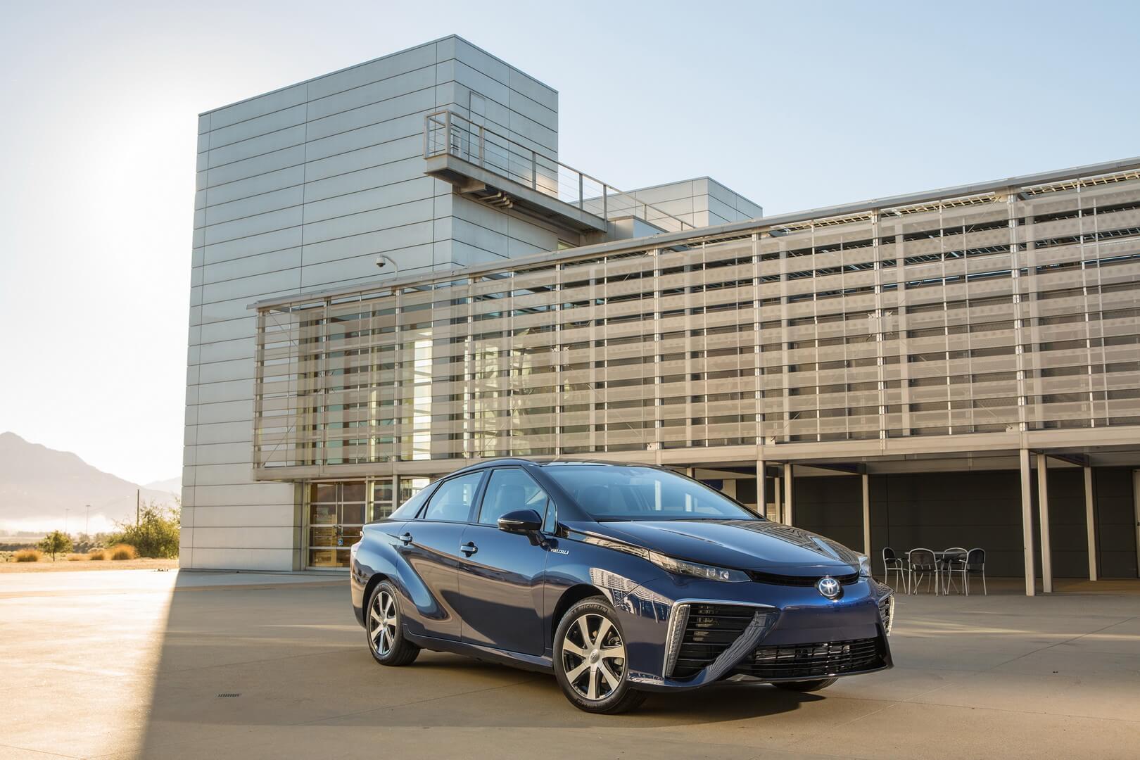 Фотография экоавто Toyota Mirai FCV - фото 20