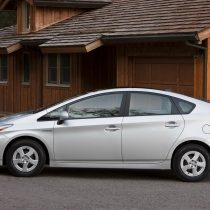 Фотография экоавто Toyota Prius Hybrid 2010 - фото 12