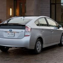 Фотография экоавто Toyota Prius Hybrid 2010 - фото 17