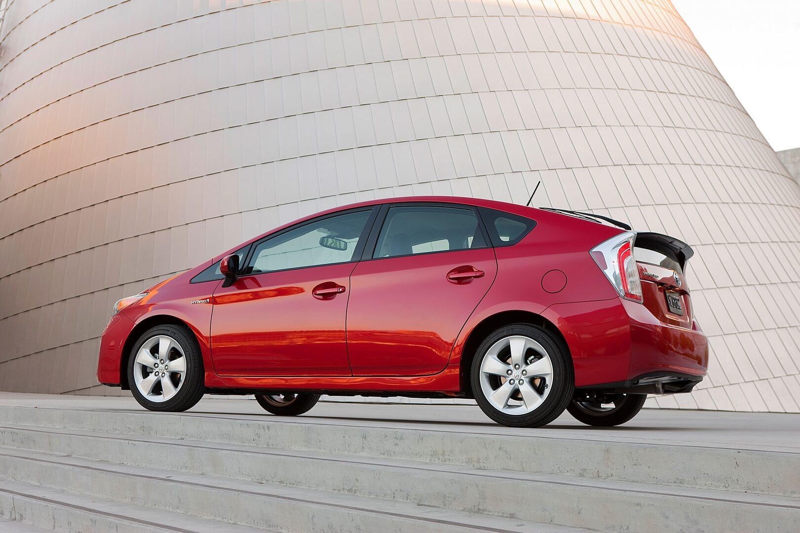 Фотография экоавто Toyota Prius Hybrid 2012 - фото 5