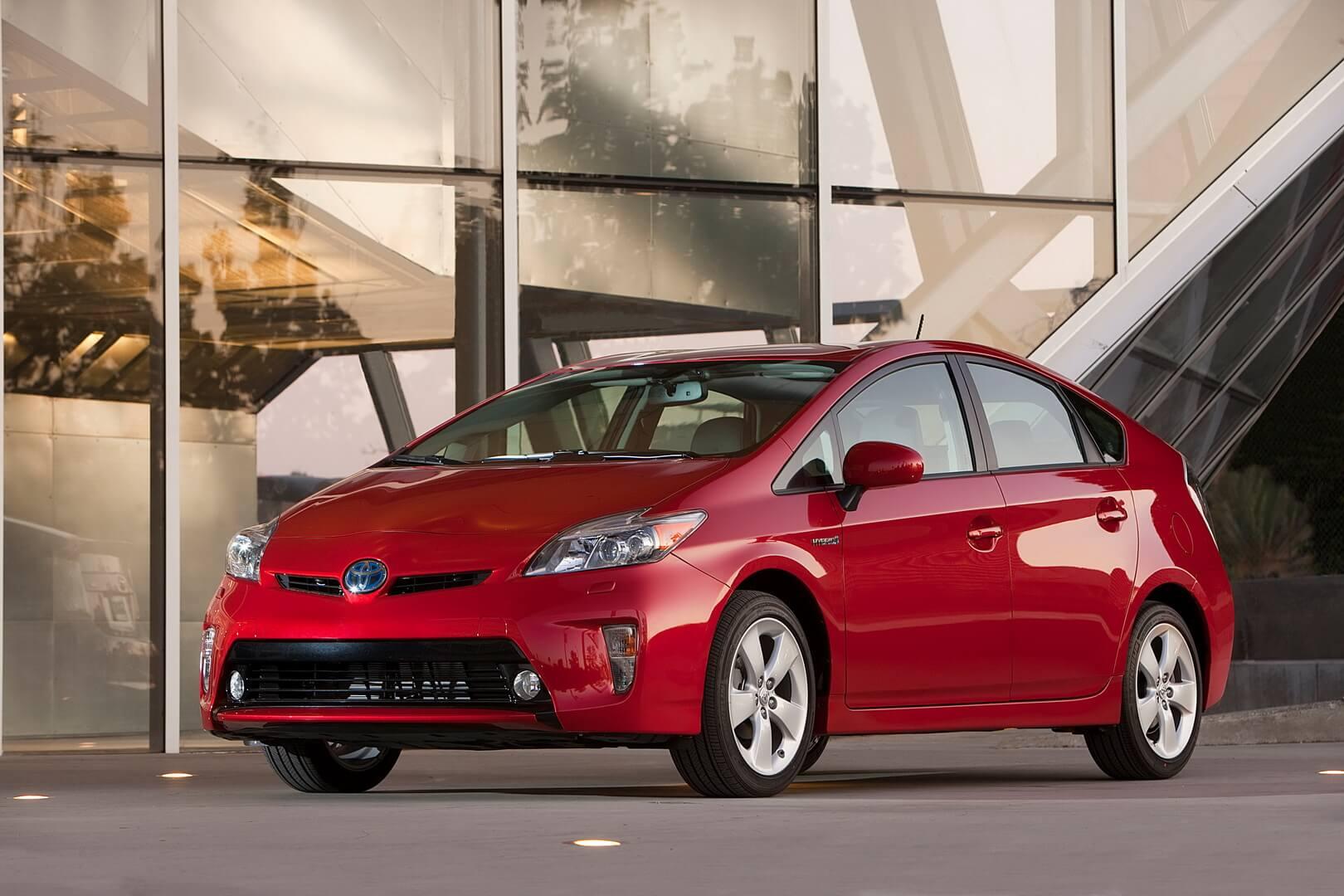 Toyota Prius Hybrid 2012 Описание Характеристики Toyota
