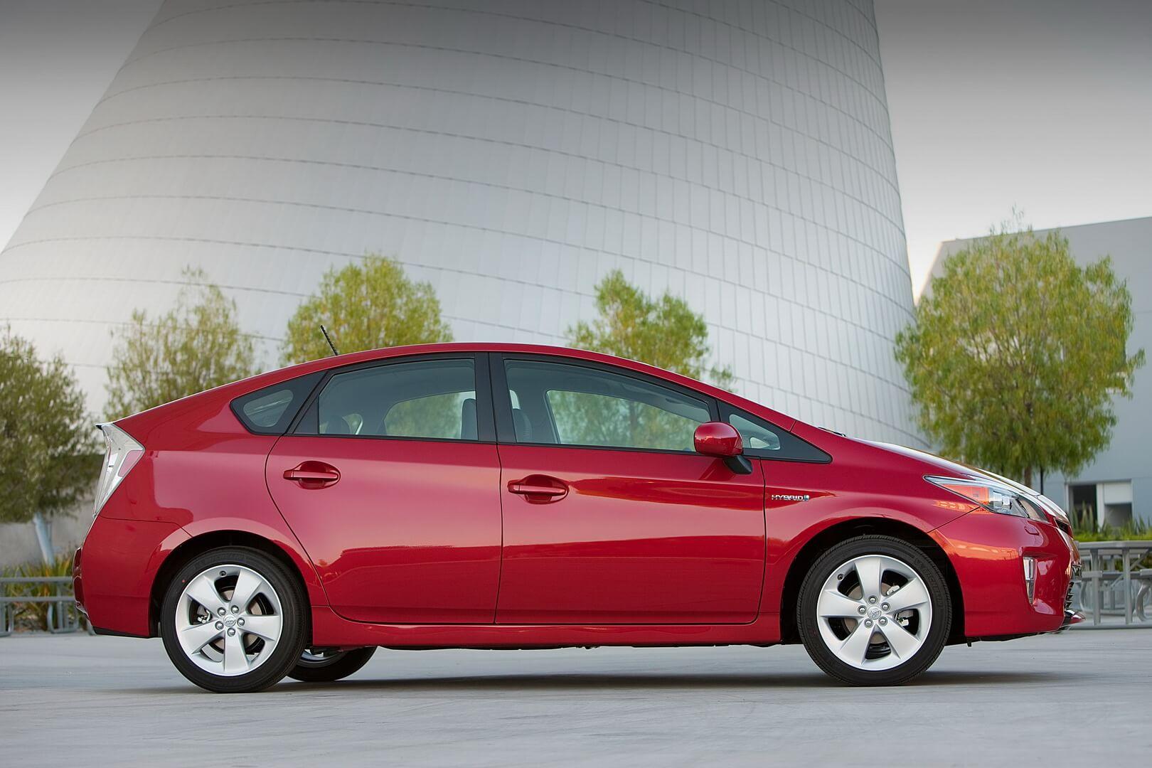 Фотография экоавто Toyota Prius Hybrid 2012 - фото 8