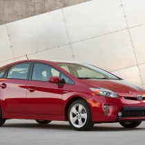 Фотография экоавто Toyota Prius Hybrid 2012 - фото 9