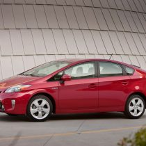 Фотография экоавто Toyota Prius Hybrid 2012 - фото 14