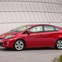 Фотография экоавто Toyota Prius Hybrid 2012 - фото 15