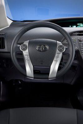 Рулевое колесо Toyota Prius Hybrid 2012