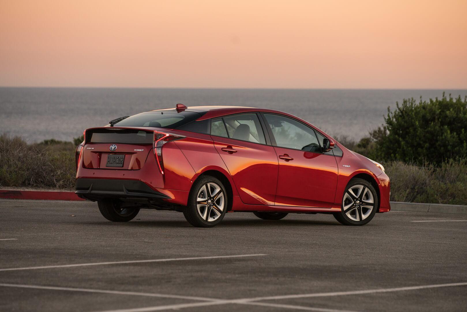 Последнее поколение Toyota Prius Hybrid