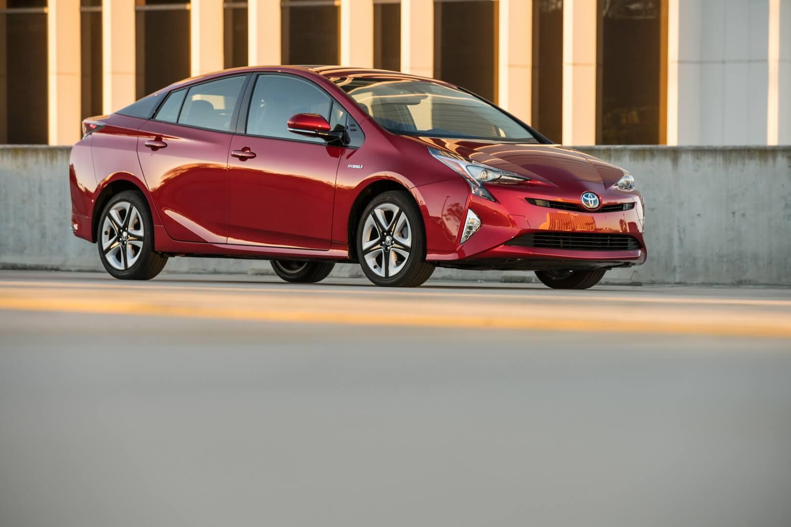 Фотография экоавто Toyota Prius Hybrid 2016 - фото 7