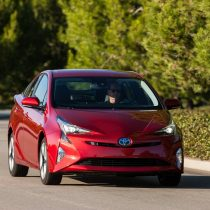 Фотография экоавто Toyota Prius Hybrid 2016 - фото 10