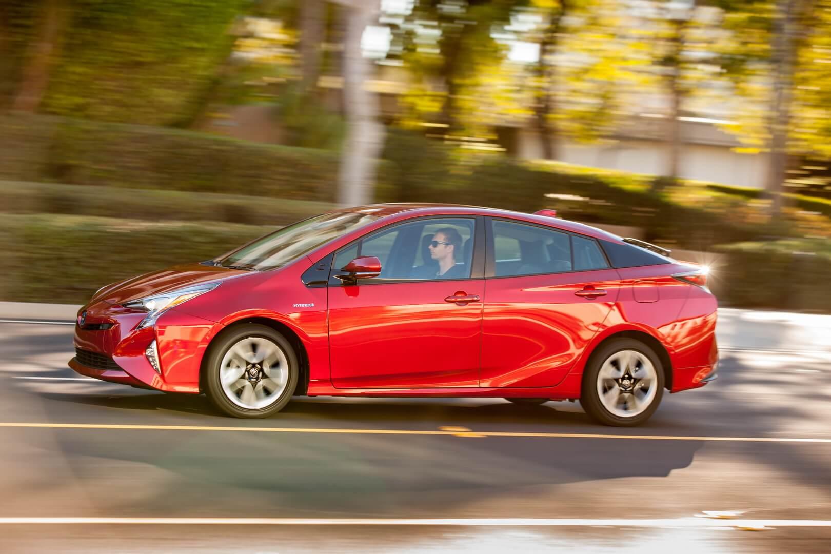 Фотография экоавто Toyota Prius Hybrid 2016 - фото 13