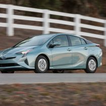 Фотография экоавто Toyota Prius Hybrid 2016 - фото 18