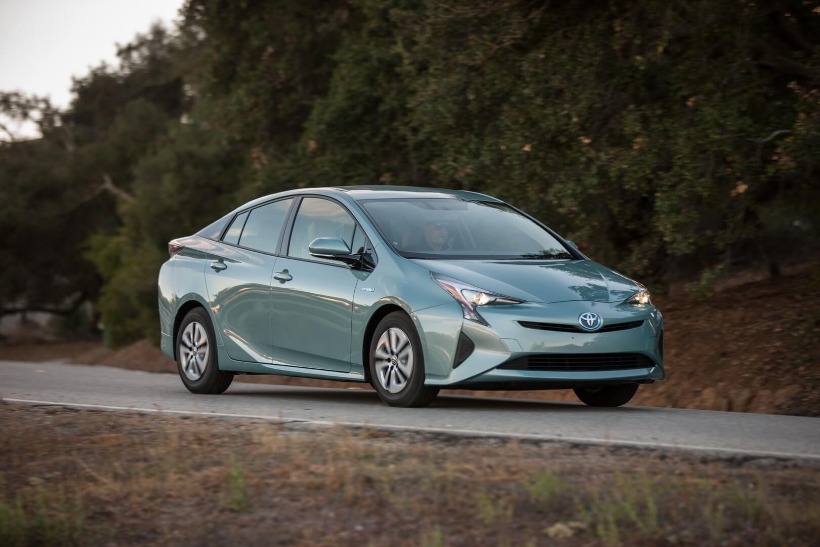 Фотография экоавто Toyota Prius Hybrid 2016 - фото 19