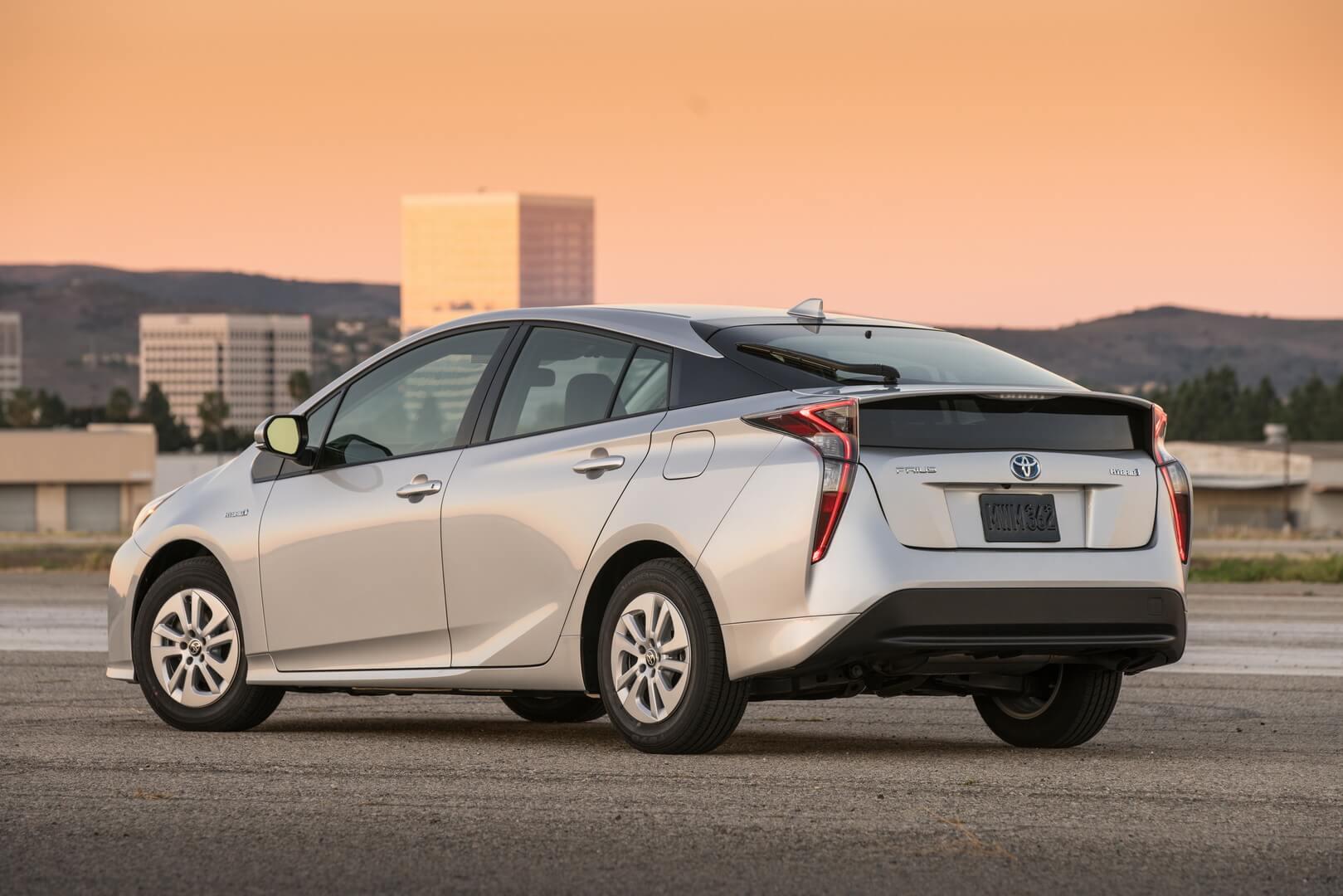 Фотография экоавто Toyota Prius Hybrid 2016 - фото 25
