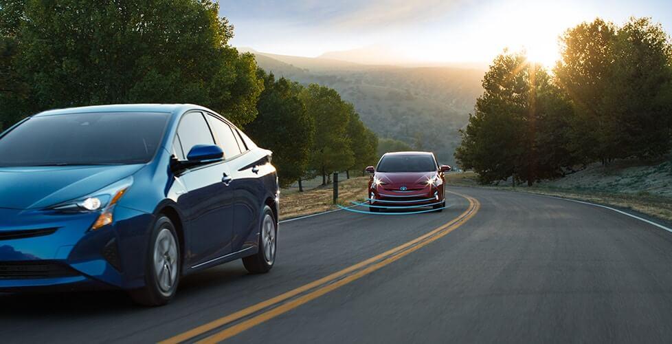 Адаптивный круиз-контроль с радарами Toyota Prius Hybrid 2016