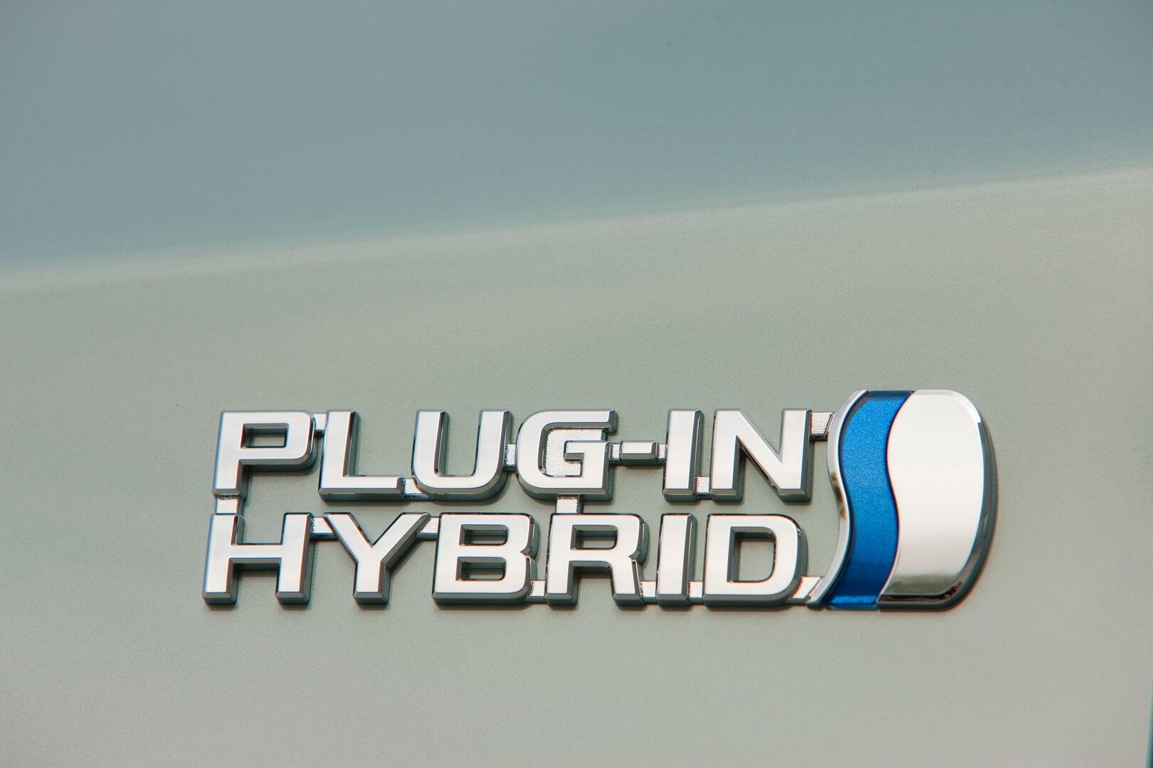Фотография экоавто Toyota Prius Prime 2012 - фото 4